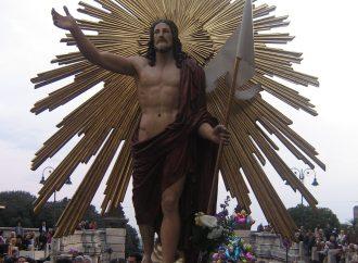 Pubblichiamo foto e filmati della processione del Cristo Risorto