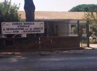 VOGLIONO CHIUDERE IL CORSO SERALE AL CARDARELLI, ALLA FACCIA DEL DIRITTO ALLO STUDIO !