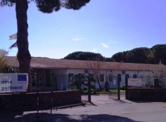 """AL """"CARDARELLI"""" MANCANO 40 DOCENTI, PERSONALE DI SEGRETERIA E MASCHERINE"""