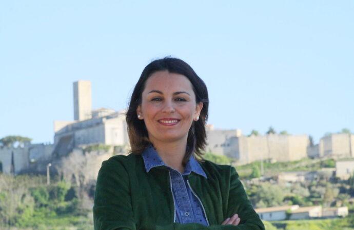 """Le opposizioni bocciano la Tosoni: """"Impreparata, troppi 24mila euro per tre mesi dell'ufficio turistico"""""""