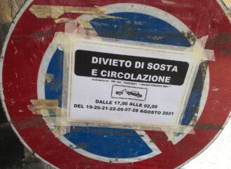 Divino Etrusco, centro storico sbarrato, problemi per le autovetture dei residenti